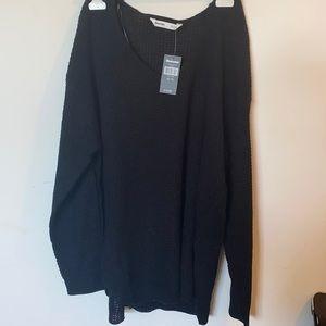 Long knit V scoop sweater